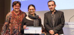 jérôme ferrari, dominique leglu et moi avec un gros chèque pour mon premier prix du concours de nouvelles scientifique