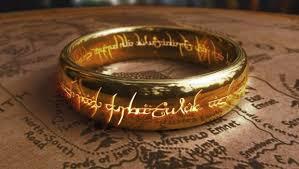 un anneau d'or couvert d'inscriptions de feu: l'anneau unique de sauron. Or rose est un moyen mnémotechnique pour tenir ses bonnes résolutions